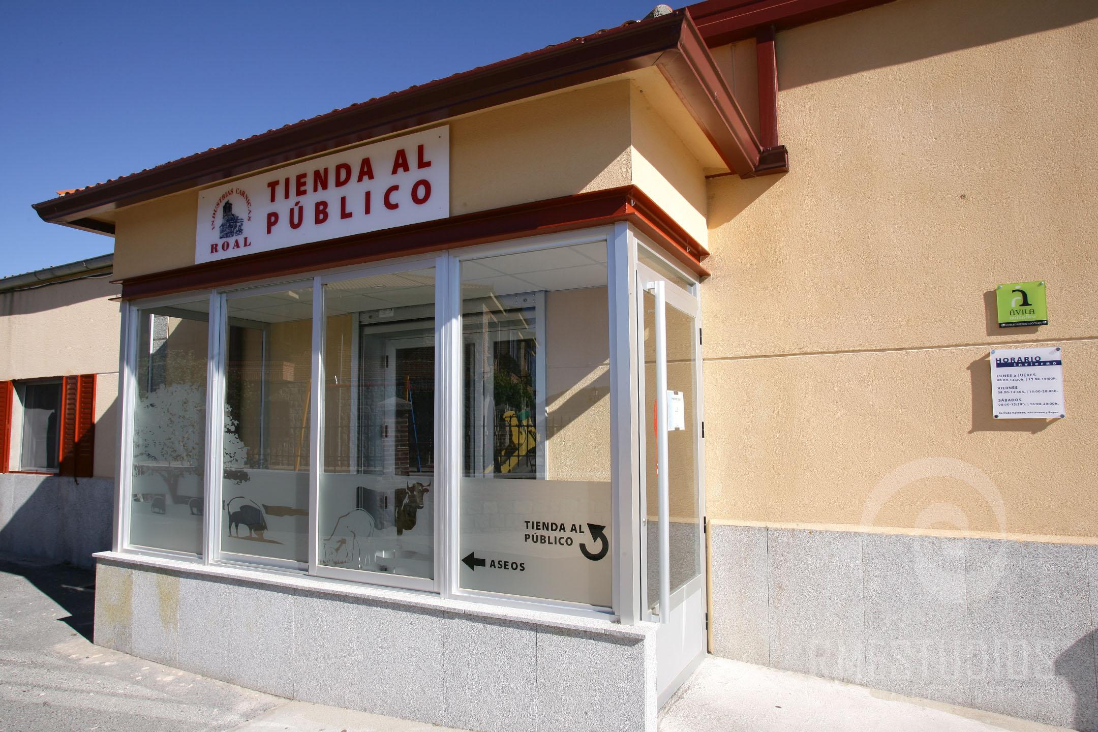 ROTULOS-EN-METACRILATO-Y-VINILOS-AL-ACIDO
